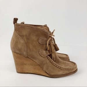 Lucky Brand Suede Wedge Lace Up Yaney Tan